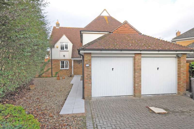 4 Bedrooms Detached House for sale in Tufted Close, Great Notley, Braintree, CM77