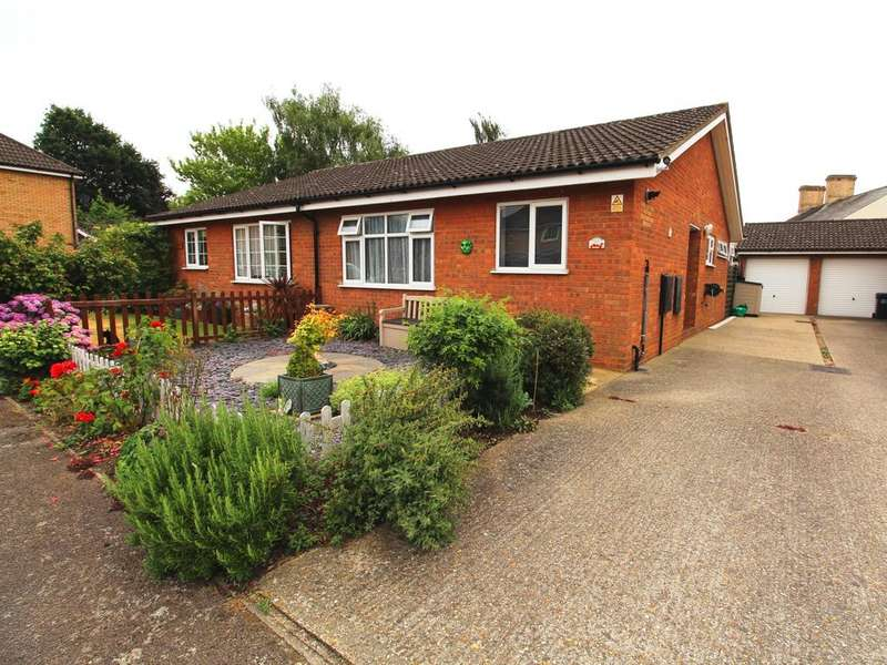 2 Bedrooms Semi Detached Bungalow for sale in Laburnum Road, Sandy SG19