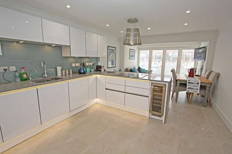 5 Bedrooms Town House for sale in Newlyn Way, Port Solent