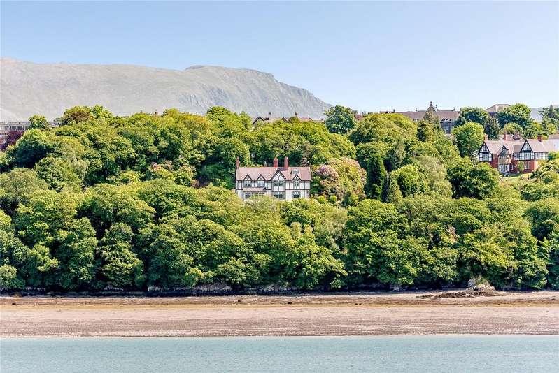 5 Bedrooms Detached House for sale in Hwfa Road, Bangor, Gwynedd