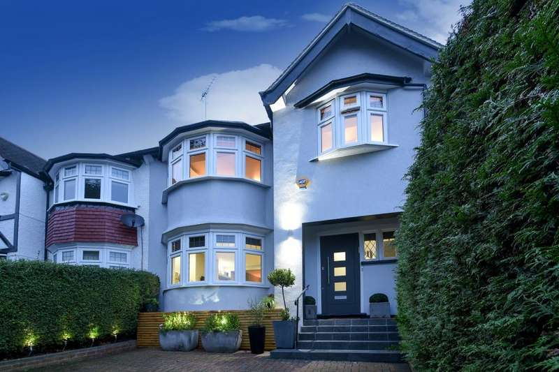 4 Bedrooms House for sale in Beechwood Avenue, Finchley N3, N3