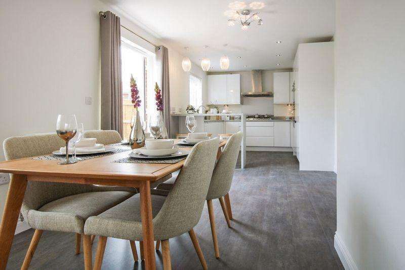 5 Bedrooms Detached House for sale in Beautiful 5-bedroom family home, Winterley