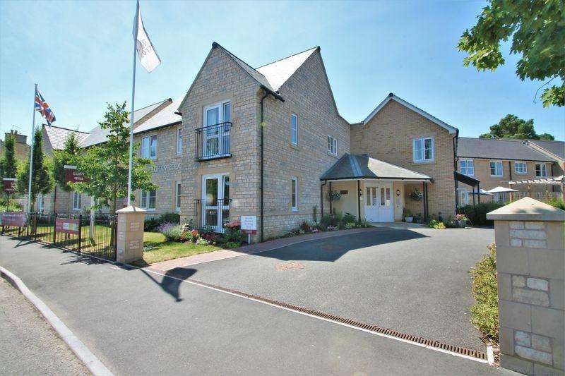 1 Bedroom Retirement Property for sale in Somerford Road, Cirencester, Gloucestershire