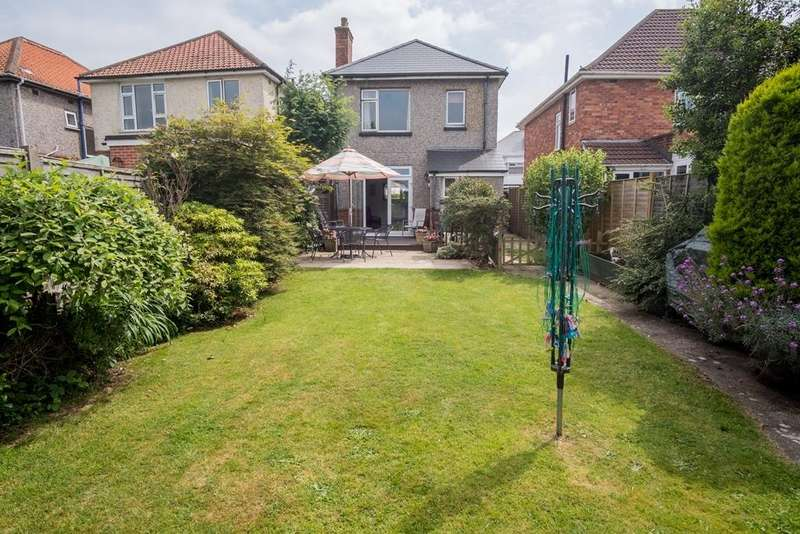 3 Bedrooms Detached House for sale in 3 Bed Detached Family Home - HILLVIEW Catchment