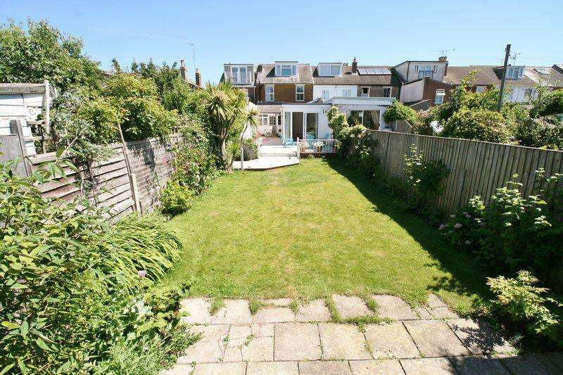 3 Bedrooms Terraced House for sale in Colne Road, Brightlingsea