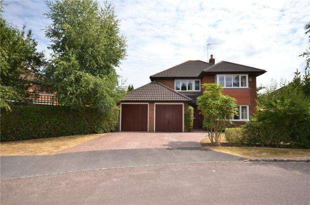 4 Bedrooms Detached House for sale in Somerset Grove, Warfield
