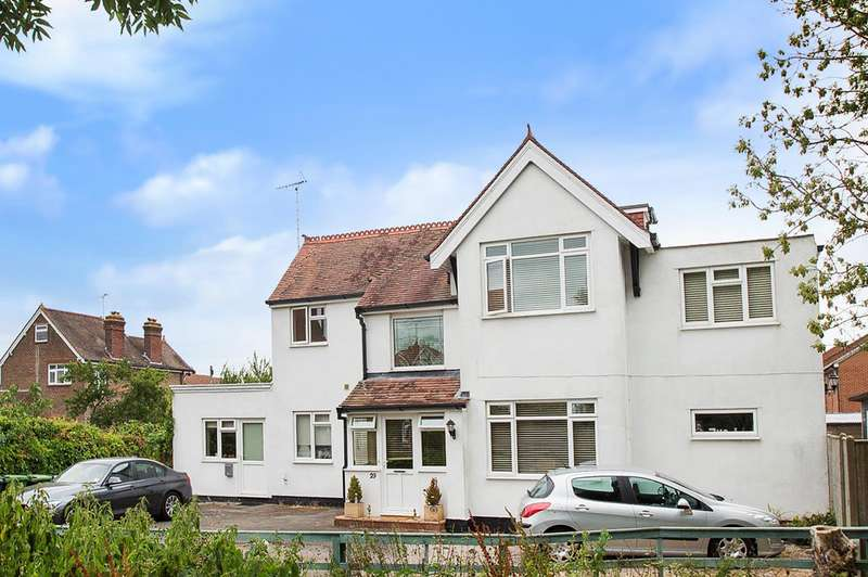 5 Bedrooms Detached House for sale in Elm Grove, EASTBOURNE