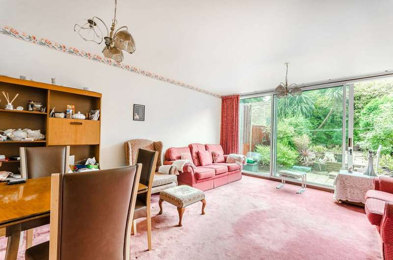 3 Bedrooms Terraced House for sale in Hennel Close, Forest Hill, SE23