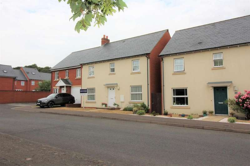 4 Bedrooms Detached House for sale in Hickory Lane, Almondsbury, Bristol, BS32 4FR