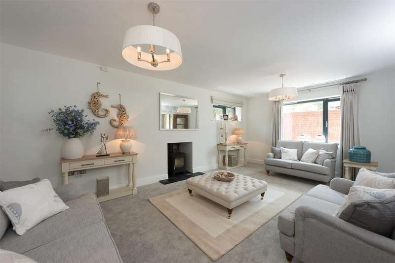 4 Bedrooms Detached House for sale in Sutton Scotney, Winchester, Hampshire