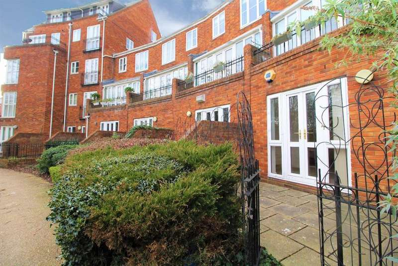 2 Bedrooms Maisonette Flat for sale in Sovereigns Quay, Bedford, MK40