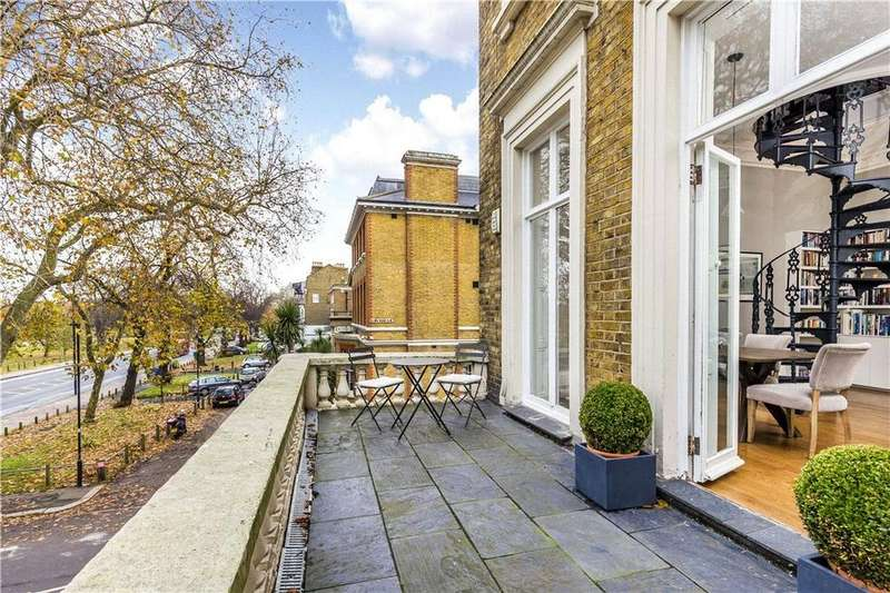 2 Bedrooms Maisonette Flat for sale in Clapham Common South Side, Clapham, SW4