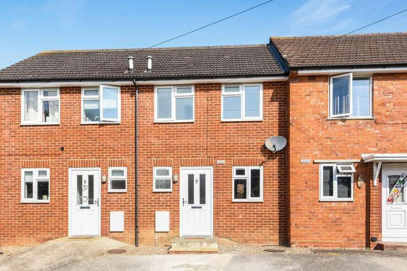 2 Bedrooms House for sale in Gainsborough Road, Reading, RG30