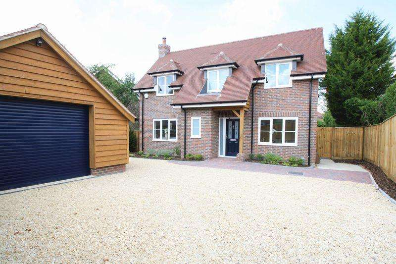 4 Bedrooms Detached House for sale in New Homes, Swanmore