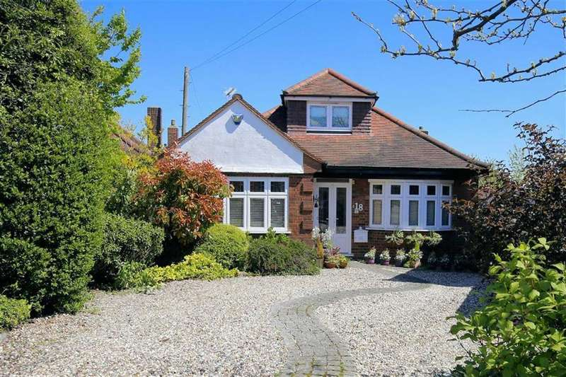3 Bedrooms Chalet House for sale in Stewards Close, Epping, Essex