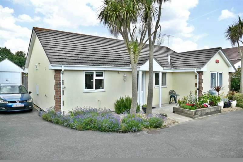 3 Bedrooms Detached Bungalow for sale in Canford Road, Bournemouth