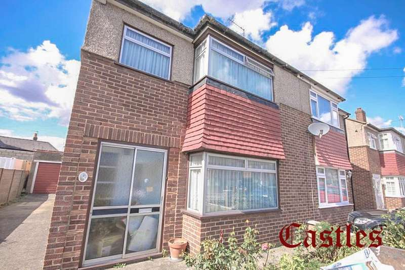 3 Bedrooms Semi Detached House for sale in Edinburgh Crescent, Waltham Cross, EN8