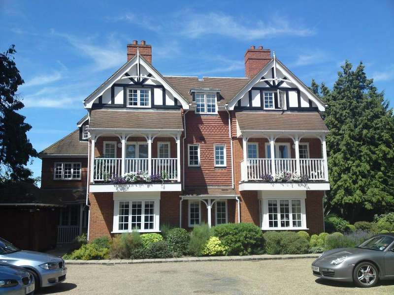 2 Bedrooms Apartment Flat for sale in Berries Road Cookham Berkshire