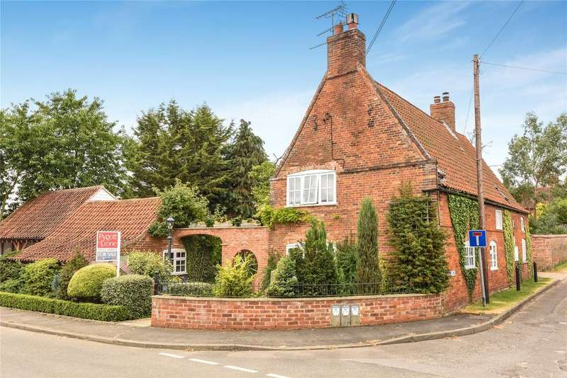 3 Bedrooms Detached House for sale in High Street, Carlton Le Moorland, LN5
