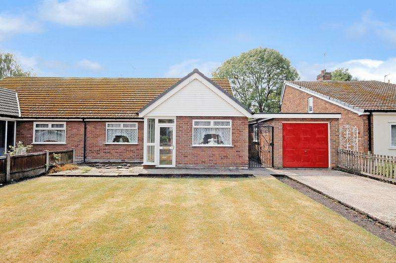 3 Bedrooms Semi Detached Bungalow for sale in Mayfield Avenue, Widnes