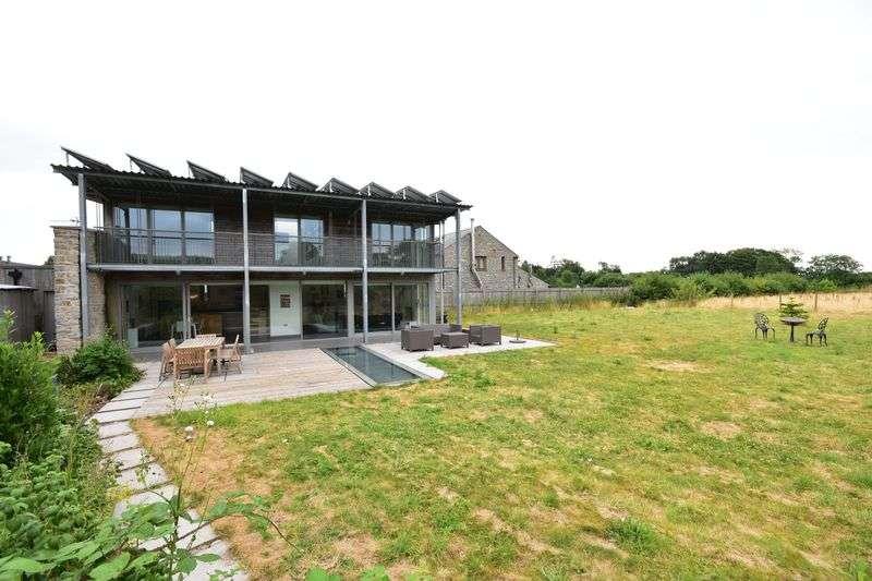 2 Bedrooms Property for sale in Dyffryn, Dyffryn