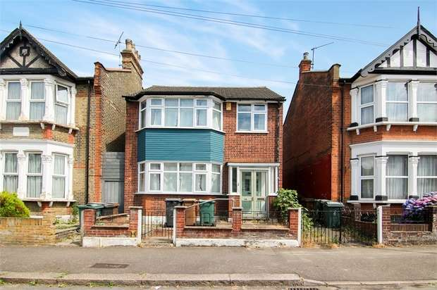 3 Bedrooms Detached House for sale in Castleton Road, Walthamstow, London