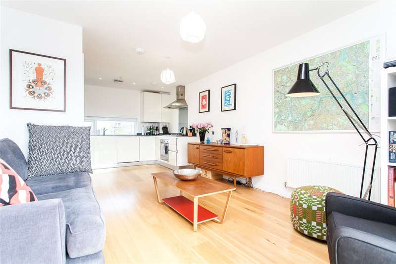 1 Bedroom Flat for sale in Cresset Road, London, E9