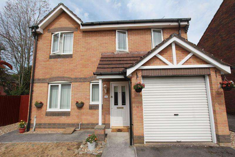 3 Bedrooms Detached House for sale in Gelyn-Y-Cler, Pencoedtre Village, Barry