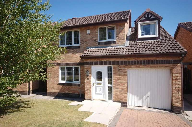 4 Bedrooms Detached House for sale in Bank Hey View, Blackburn