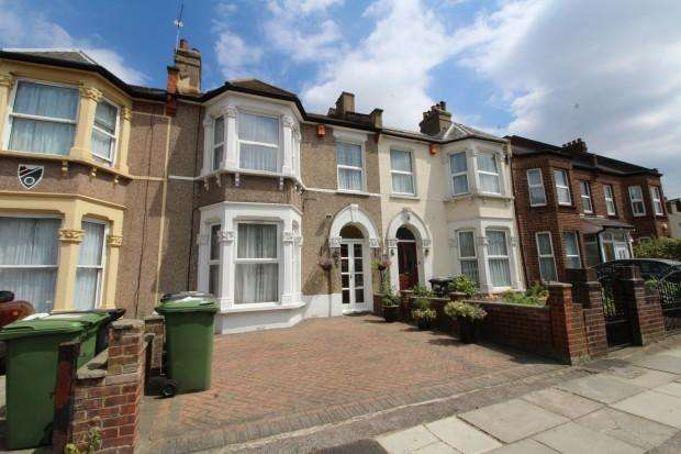 3 Bedrooms Terraced House for sale in Minard Road, London, SE6