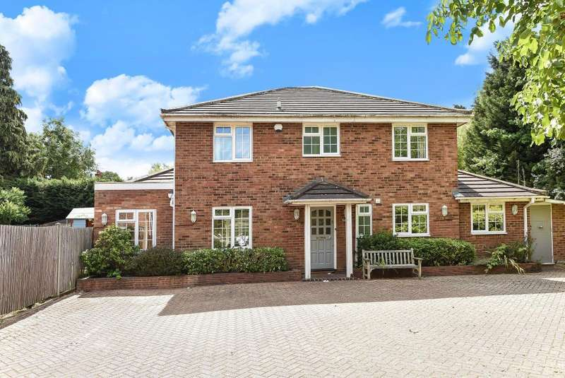4 Bedrooms Detached House for sale in Dunton Close, Surbiton, KT6