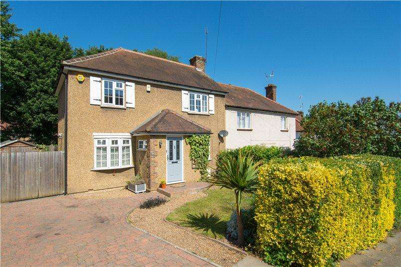 3 Bedrooms Semi Detached House for sale in Doggetts Way, St. Albans, Hertfordshire