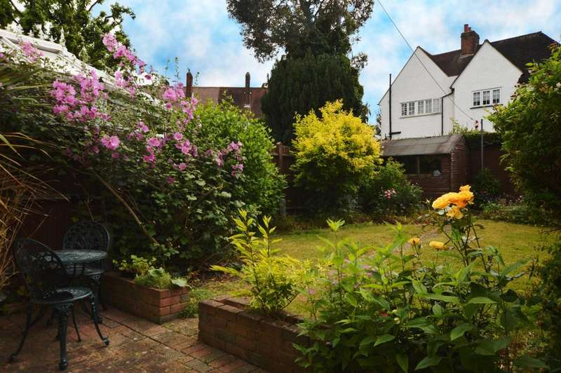 2 Bedrooms Terraced House for sale in Maudslay Road Eltham SE9