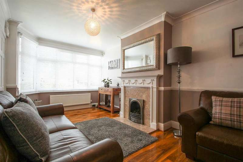 4 Bedrooms Semi Detached House for sale in Ashmore Grove, Welling