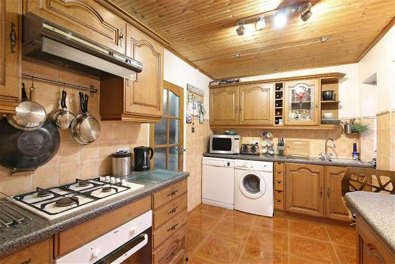 3 Bedrooms House for sale in Queen Street, Tottenham, London