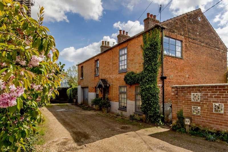 5 Bedrooms Detached House for sale in Pit Lane, Swaffham