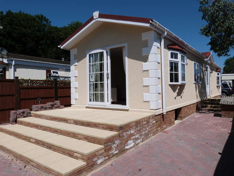 2 Bedrooms Mobile Home for sale in Galley Hill, Waltham Abbey