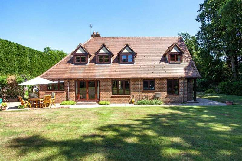4 Bedrooms Detached House for sale in Stoke Row, Henley-on-Thames, Oxfordshire, RG9