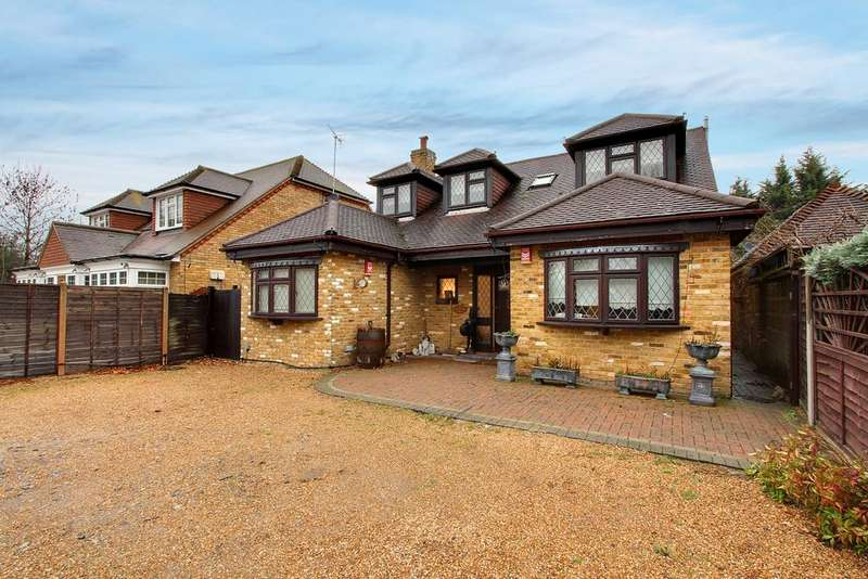 3 Bedrooms Detached House for sale in Charville Lane, Hayes, UB4