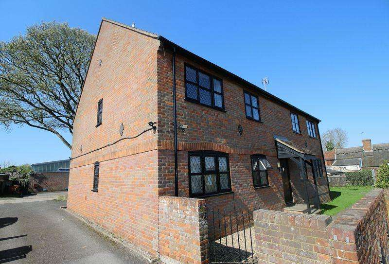 2 Bedrooms Apartment Flat for sale in Princes Risborough