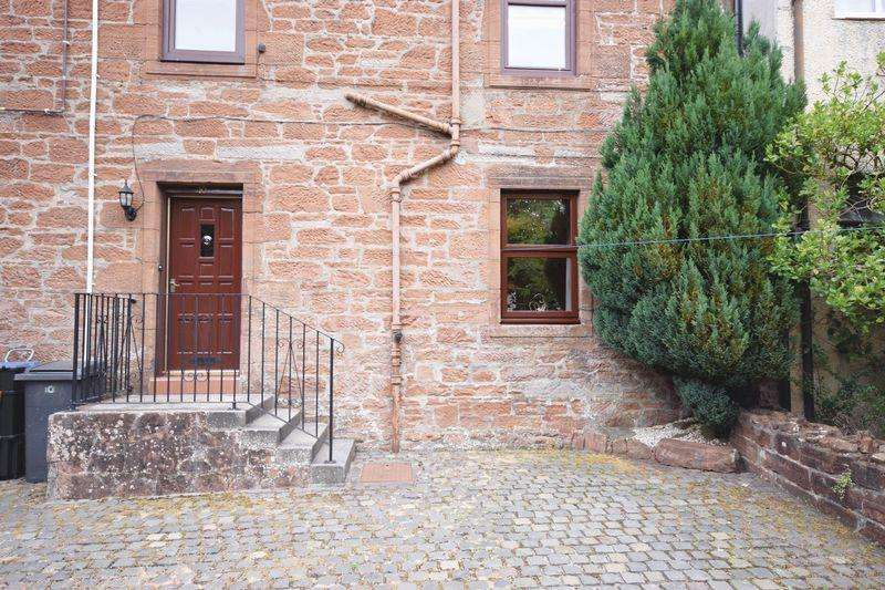1 Bedroom Ground Flat for sale in 10 Castle Street ,Mauchline KA5 5BZ