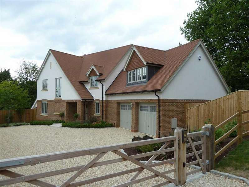 4 Bedrooms Detached House for sale in Stoke Row Road, Peppard Common, Henley-On-Thames
