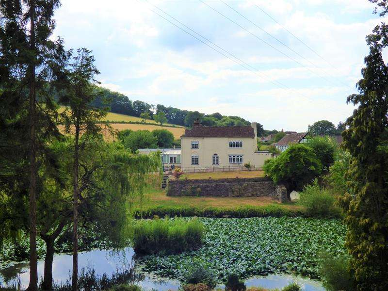 3 Bedrooms Detached House for sale in Taswold Farm, Malvern Road, Storridge, Malvern, Worcestershire, WR13 5HR