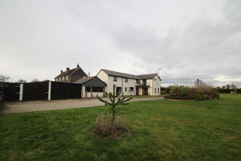 4 Bedrooms Detached House for sale in Cefn Road