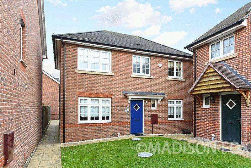 3 Bedrooms Detached House for sale in The Square, Loughton, IG10