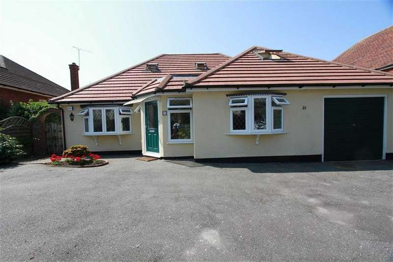 4 Bedrooms Detached House for sale in Rosslyn Road, Billericay
