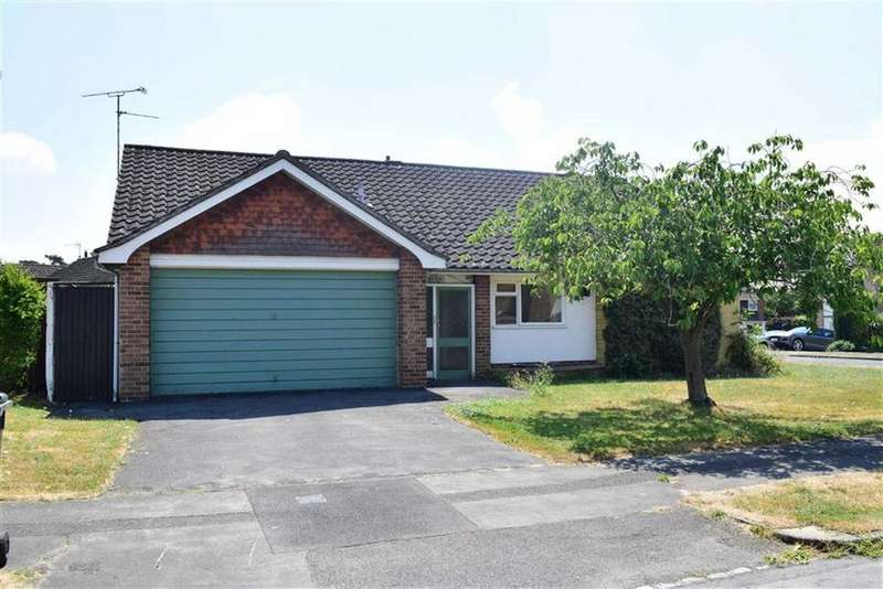 3 Bedrooms Bungalow for sale in Rosehill Park, Emmer Green, Reading