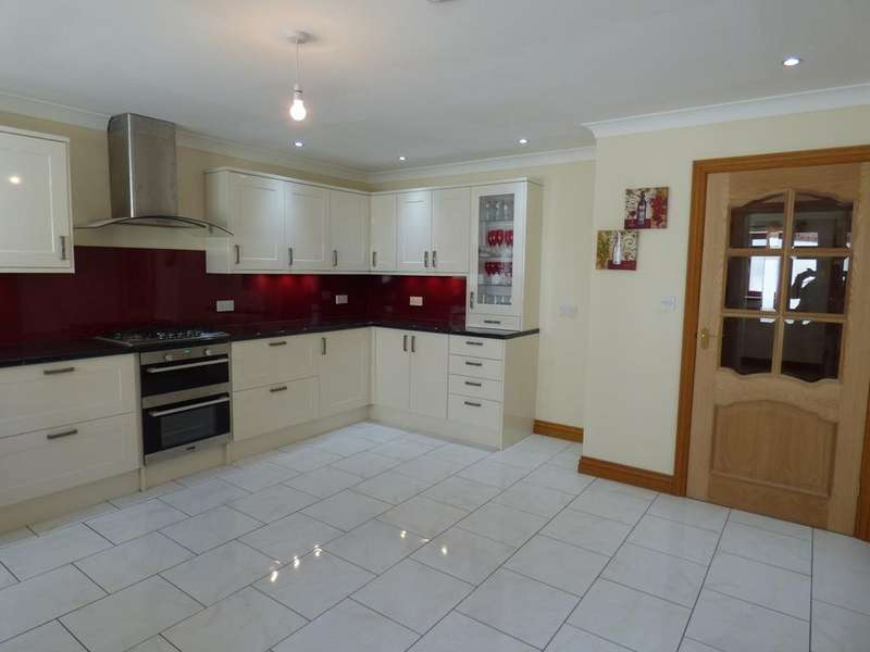 4 Bedrooms Bungalow for sale in Graigola Road, Glais, Swansea, SA7
