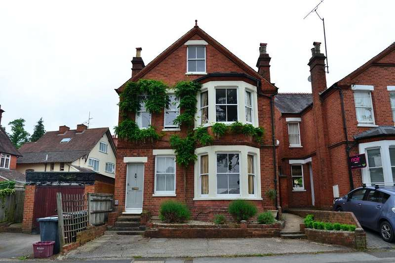 5 Bedrooms Detached House for sale in Green Road, Reading, Berkshire, RG6 7BS