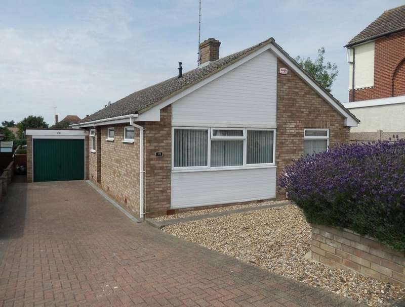 3 Bedrooms Detached Bungalow for sale in SEAFIELD ROAD, DOVERCOURT CO12